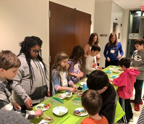CLIMB participants decorate cancer cell cookies