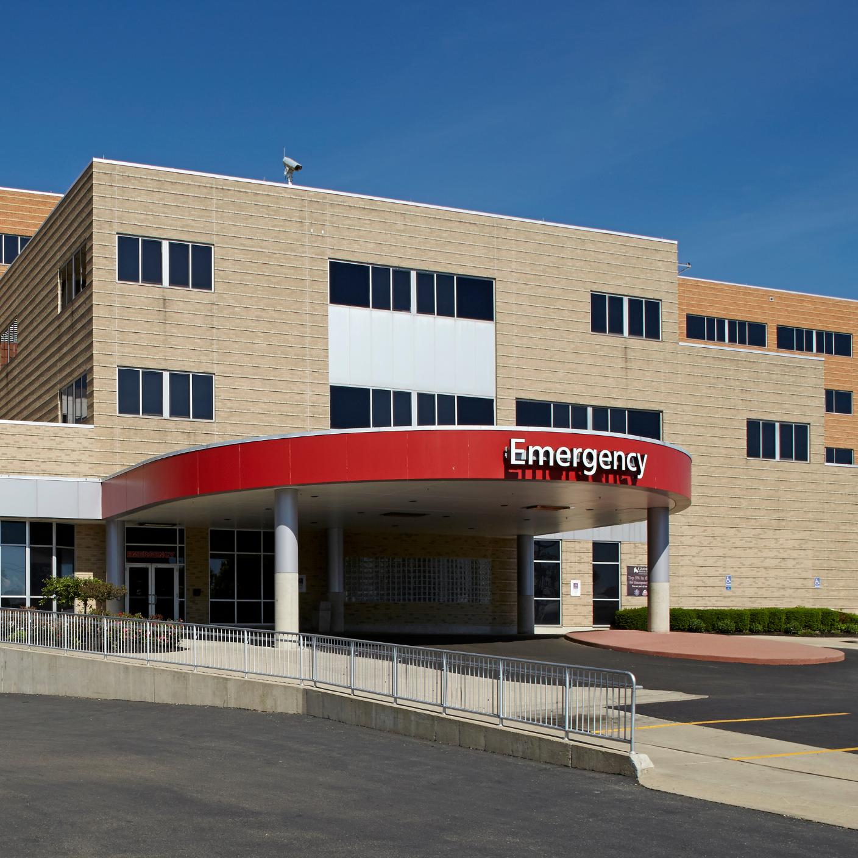 Grandview Emergency Center Entrance